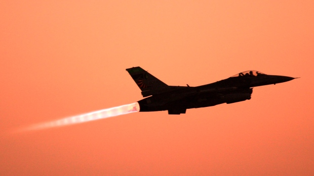 Norway F-16s Mistakenly Fires at Own Control Tower