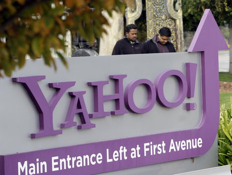 Yahoo publishes FBI secret requests for user account data