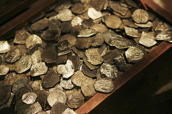 Explorer Claims He's Found Pirate Ship Treasure Off Cape Cod