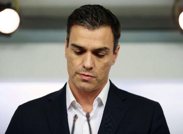 Pedro Sanchez: Spain's Socialist Party leader resigns after dispute