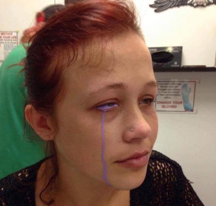 Catt Gallinger: Model Goes Blind After Tattooing Eyeball