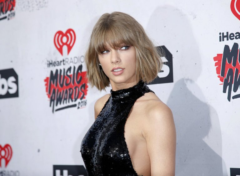 Taylor Swift Reputation is now streaming