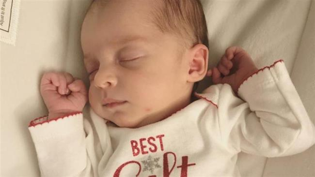 Tennessee woman gives birth from embryo frozen 25 years ago (Video)