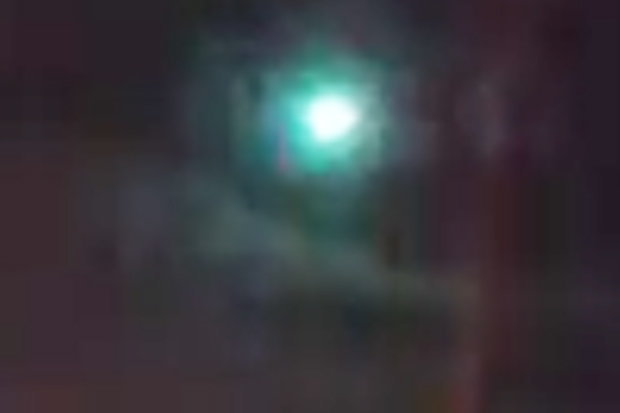 Green UFO spotted in UK on New Year's eve (Watch)
