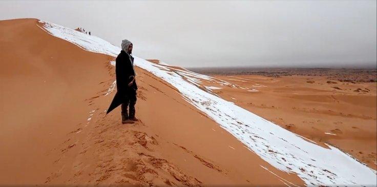Snow falls in Sahara Desert (Watch)