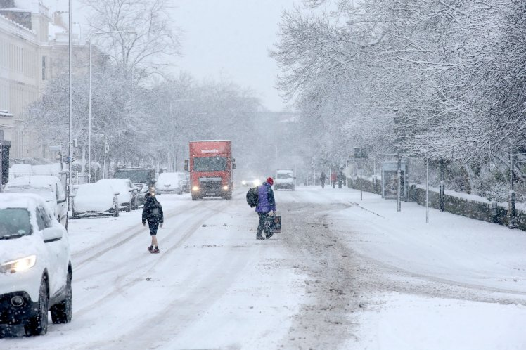 UK Snow Warnings: Cold snap to continue for the rest of the week