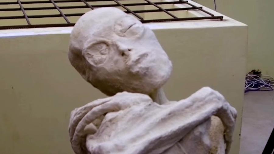 Three Fingered Mummy Found in Peru 'are not human'