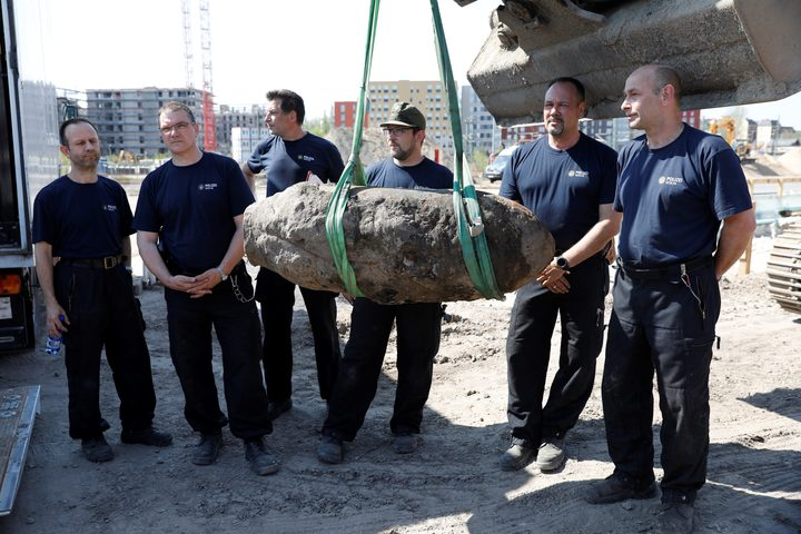 Berlin: WWII bomb forces mass evacuation