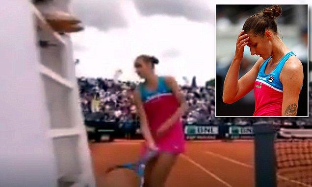 Karolina Pliskova Vs Umpire Chair: Pliskova smashes umpire's chair in fit of rage