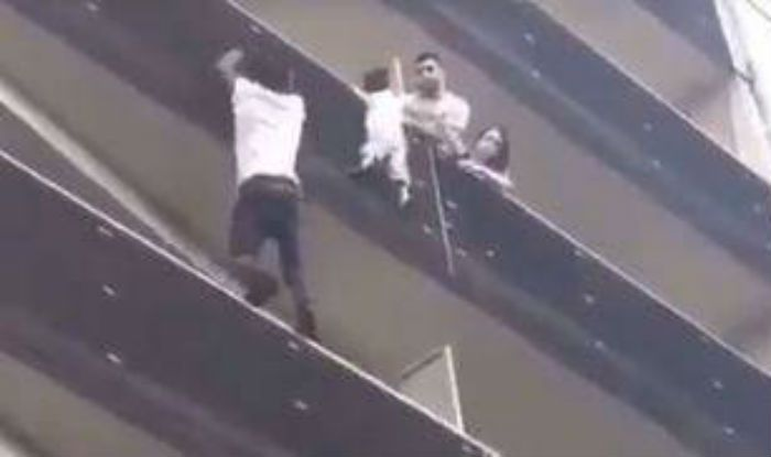 Paris: Spider-man saves boy dangling from balcony (Video)