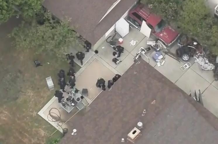 Sandra Bullock stalker shoots himself dead, Report