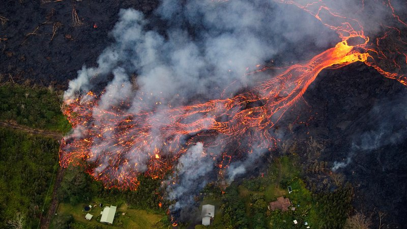 Mandatory Evacuation: Hawaii volcano leaves escape routes in doubt