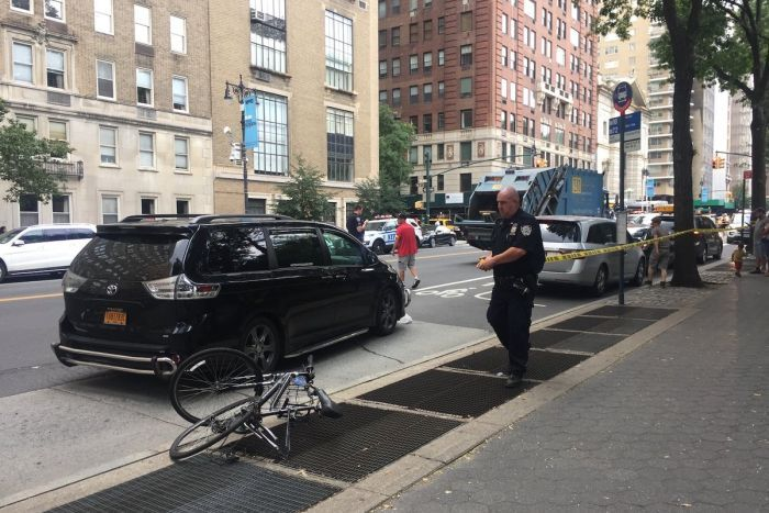 Australian cyclist killed by garbage truck in New York (Police)