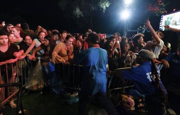 Central Park barrier collapse: Crash is Mistaken For Gunshot