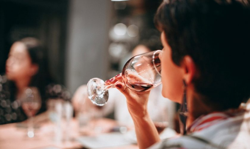 Middle-aged drinkers urged to have more alcohol-free days, say campaigners