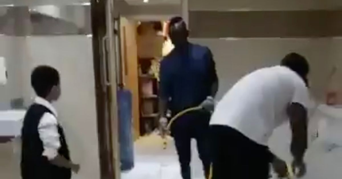 Sadio Mane Cleans Mosque Toilets (Video)