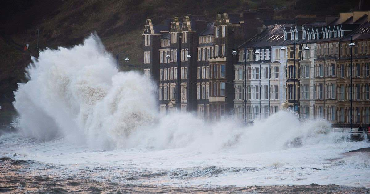 Storm Florence: UK with 65mph winds and heavy rain