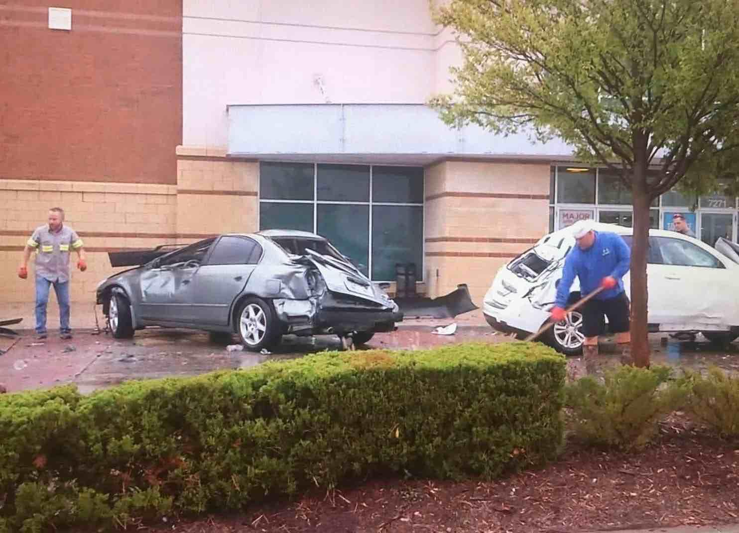 Oklahoma severe weather: Vehicles flip (Photo)