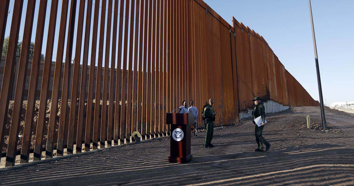 Section of Trump's border wall unveiled, (But it kinda looks like a fence)