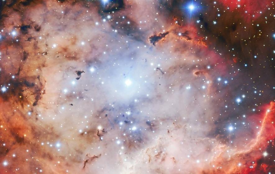 Skull and crossbones nebula haunts the cosmos in new image (Study)