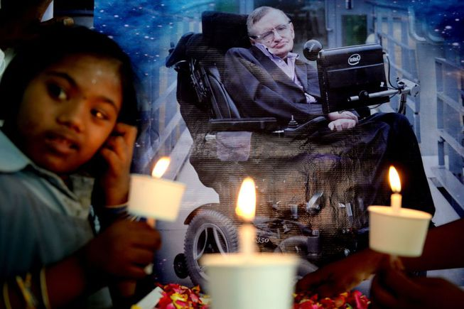 Stephen Hawking no god says physicist in final book, Report