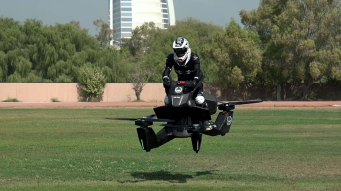 Dubai police flying bike: first responder units can reach difficult areas