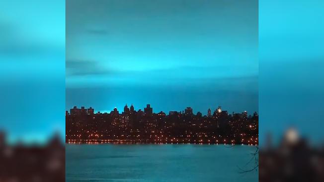 Astoria NYC transformer explosion, plant lights up night sky