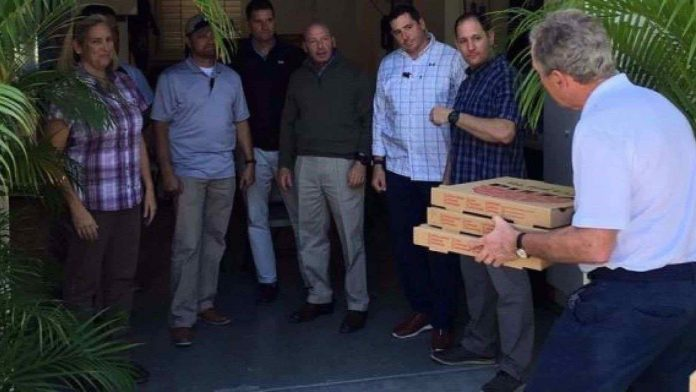 George W. Bush delivers pizza to Secret Service, Report