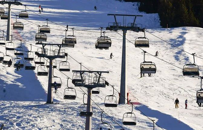 Val D'or: girl's death followed attempted jump from ski chairlift