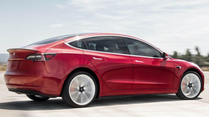 Consumer Reports no longer recommends the Tesla Model 3, Report