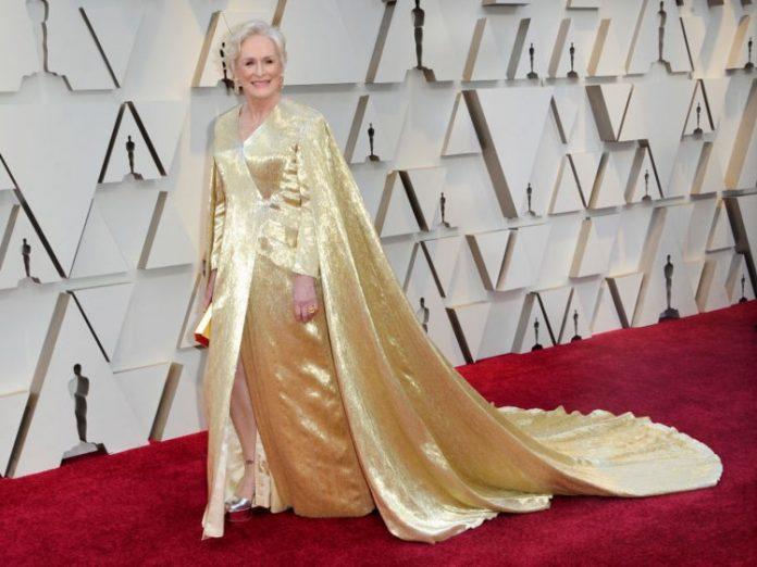 Glenn Close Oscar dress weighing THREE STONE