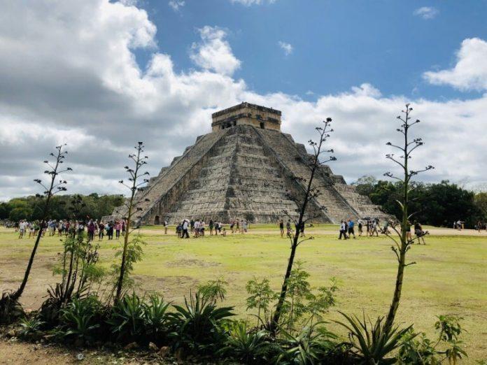 Maya ritual cave ruins of Chichén Itzá in Mexico's