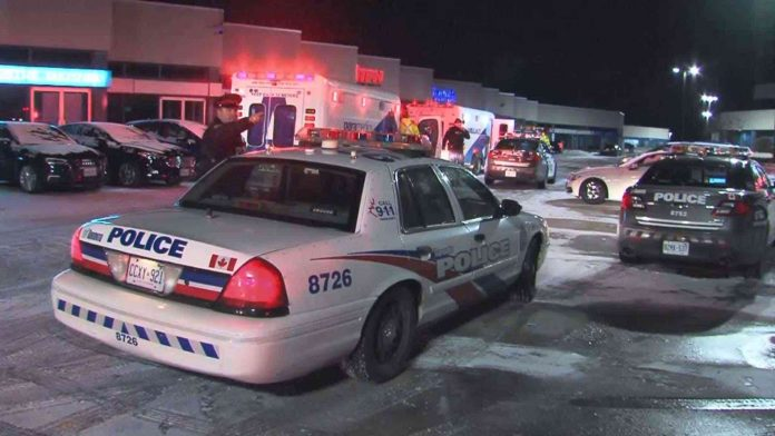 Multiple people stabbed at North York banquet hall (Reports)