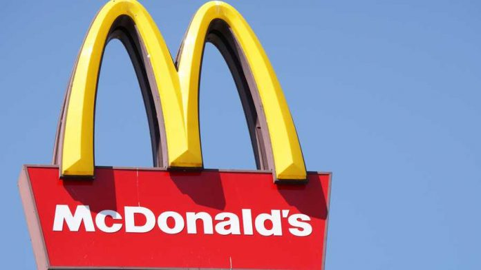 Boy, 5, calls 911 for McDonald's (Reports)