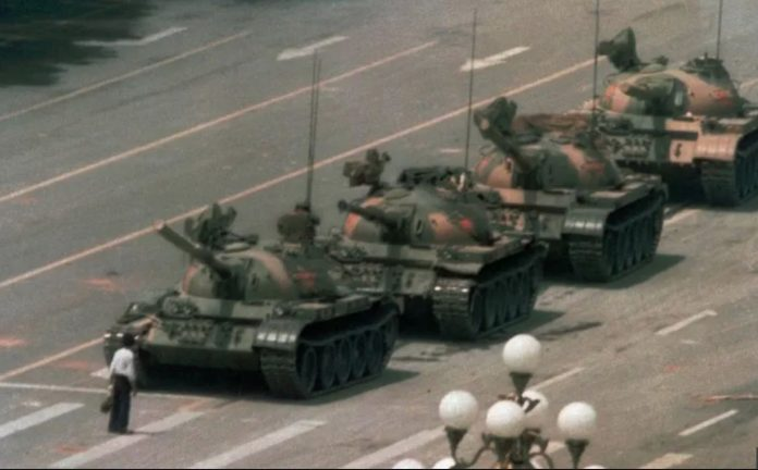 Leica Distances Itself From Tiananmen Square 'Tank Man' (Reports)