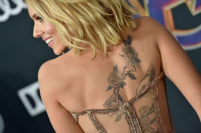 Scarlett Johansson Shows Off Back Tattoo (Photo)