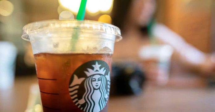 Starbucks employee writes 'ISIS' on Muslim man's order slip, Report