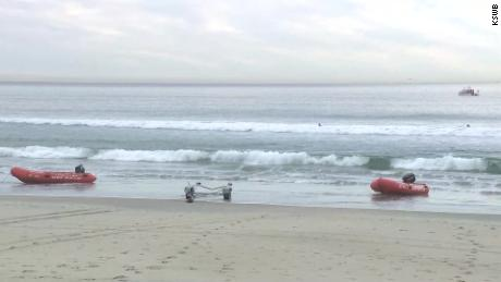 13 Rescued after panga boat 'dump-and-run' off San Diego coast