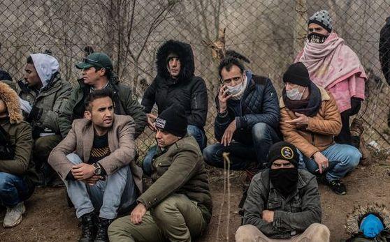 Migrants wait in hope at Turkey-Greece border, Report