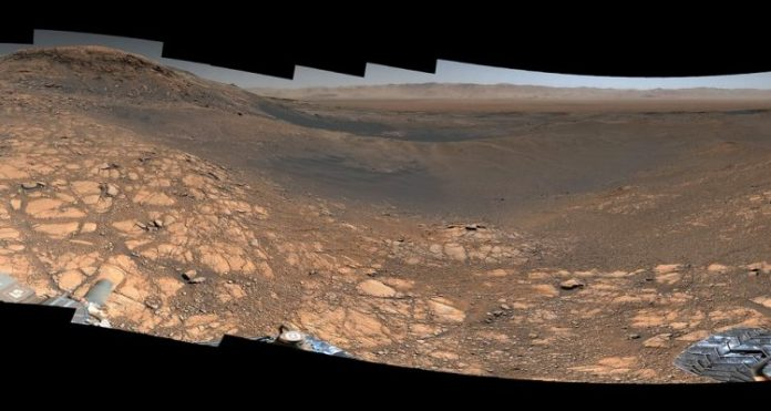 NASA's Curiosity Mars Rover Snaps Its Highest-Resolution Panorama (Watch)