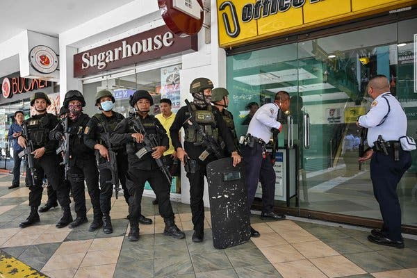 Philippines Manila Mall: Hostage incident reported