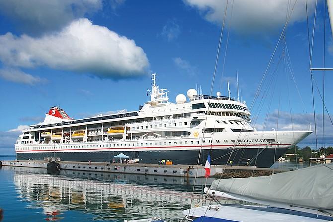 Coronavirus USA Update: Cruise ship allowed to dock in Florida