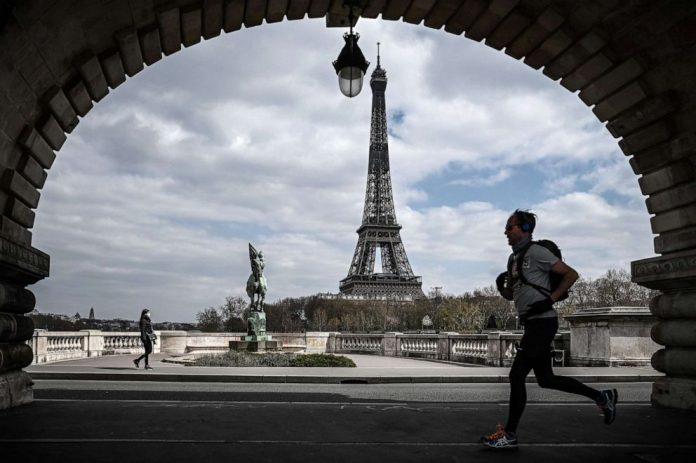 Coronavirus USA Update: France's COVID-19 death toll tops 10,000