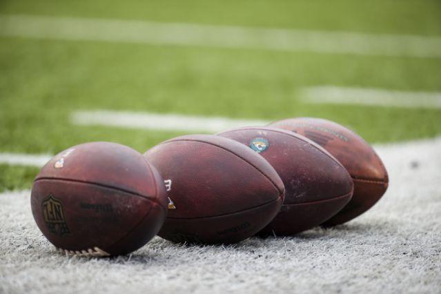 Coronavirus USA Update: NFL agent's parents die 6 minutes apart