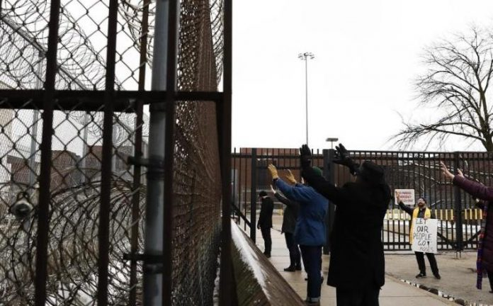 Coronavirus US Updates: Nearly 1,300 inmates in Texas prisons test positive for COVID-19