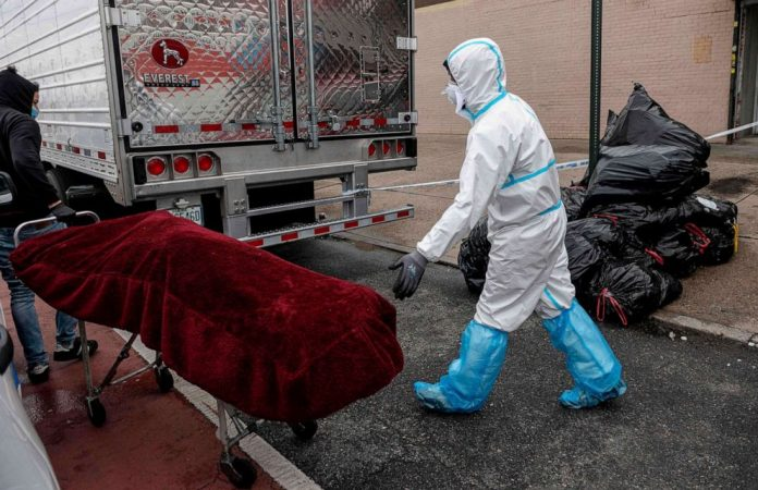 Coronavirus USA Updates: Funeral home's license suspended after decomposing bodies found