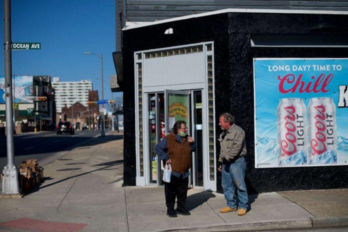 Coronavirus USA Updates: NJ reopening retail for curbside pickup