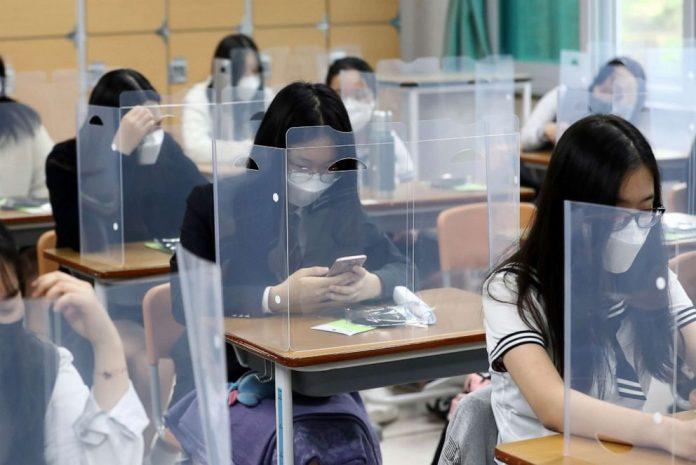 Coronavirus Updates: Students start returning to classrooms across South Korea