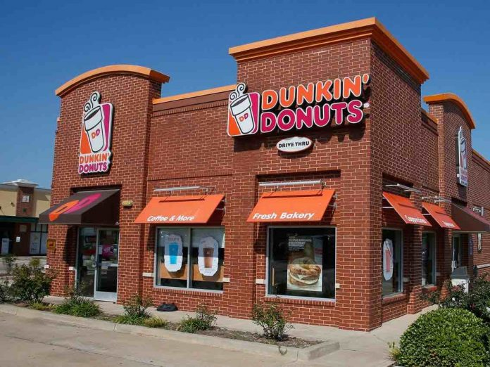 Dunkin' worker arrested for allegedly spitting in state trooper's coffee, Report