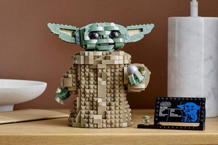 A Baby Yoda LEGO Set with Over 1,000 Pieces Is Coming Very Soon! (Report)